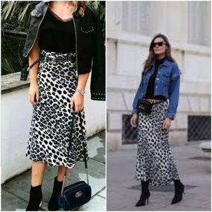 ZARA Snow Leopard Animal Print Skirt